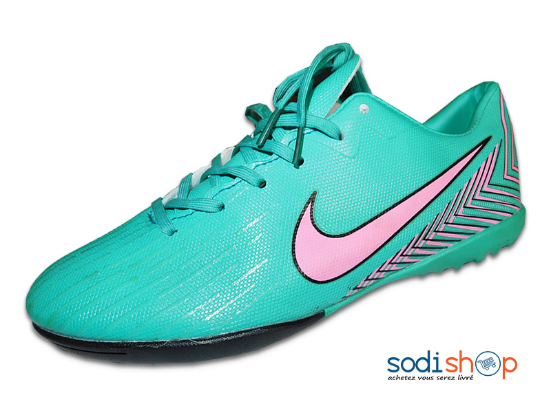 nike chaussure couleur